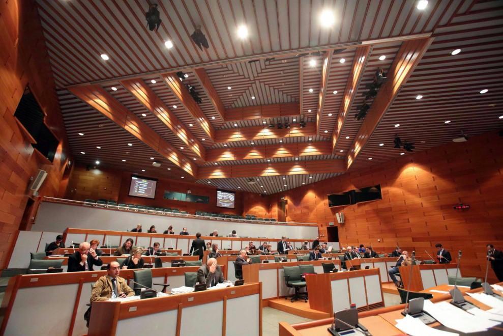 Gli emendamenti presentati dal M5S proponevano risparmi su costi politica, sanità e grandi opere