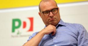 Bonaccini deve chiarire la sua posizione sui rapporti con il sindaco di Ischia coinvolto nello scandalo Cpl