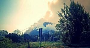 L'incendio che da qualche giorno sta interessando l'area della centrale di teleriscaldamento Zpt-Sime