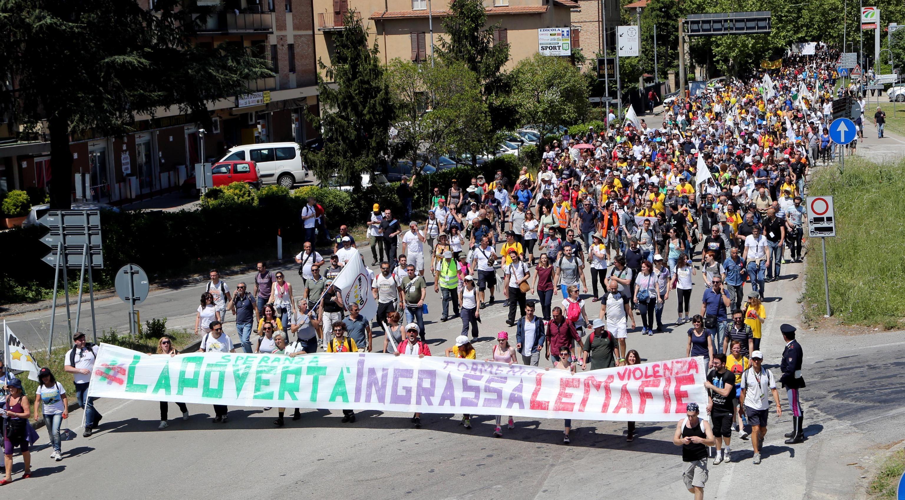 Lo straordinario successo della marcia per il reddito di cittadinanza di sabato 9 maggio