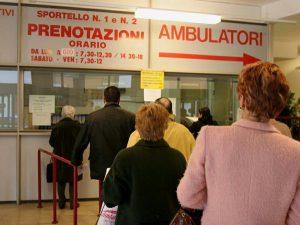 L'assessore Venturi ha annunciato un piano per la riduzione delle liste d'attesa, ma solo sui giornali.
