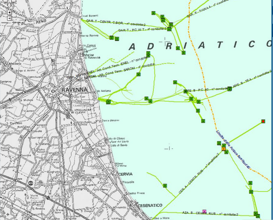 I quadratini verdi indicano le piattaforme presenti solo a largo di Ravenna