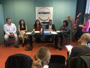 Un momento della conferenza stampa di presentazione del progetto di legge con tutti e cinque i consiglieri regionali del MoVimento 5 Stelle dell'Emilia-Romagna.